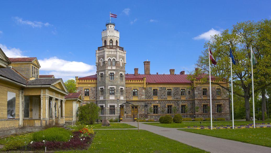 欧洲管理大学